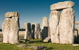 Archaeologists uncover Stonehenge Clues