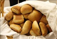 Dinner Rolls in a basket - credit: National Cancer Institute/Daniel Sone (Photographer) PD