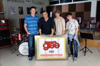 Glee Cast Breaks Own Record With 200 Entries on Billboard Hot 100. (PRNewsFoto/Columbia Records)