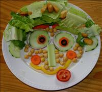 Salad that looks like a face - BSN